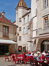 A typical spring day in Semur-en-Auxois' centre-ville